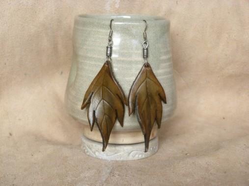 Boucles d'oreilles Grandes feuilles en cuir kaki