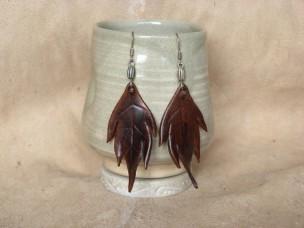 Boucles d'oreilles Grandes feuilles en cuir marron