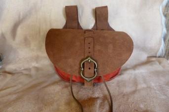 Escarcelle de type médiévale marron vieilli et rouge