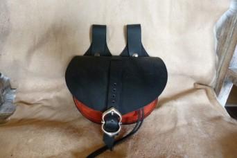 Escarcelle de type médiévale noire et rouge