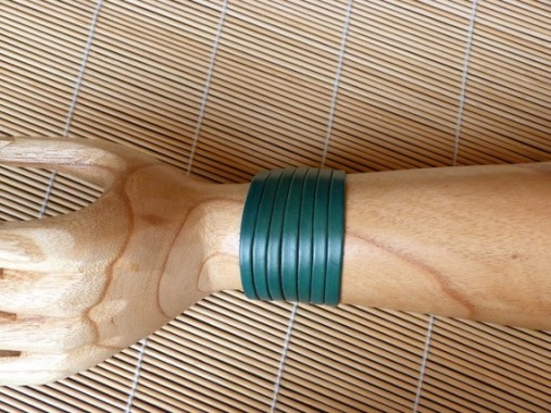 Bracelet turquoise en cuir découpé