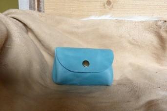 Porte monnaie en cuir turquoise